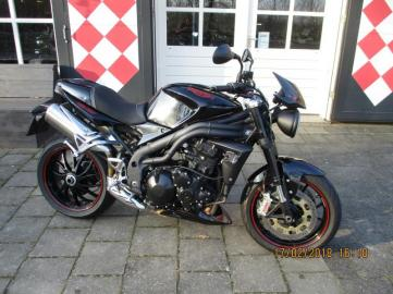 Triumph Speed Triple 1050 15th anniversary