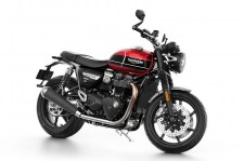 Triumph-Speed-Twin-lead